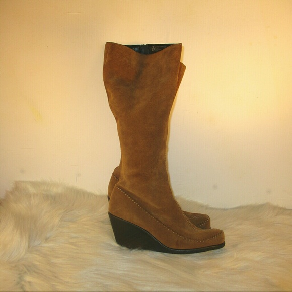 b59bad740c3a AEROSOLES Shoes - Aerosoles Gather Round suede boots Size 7M